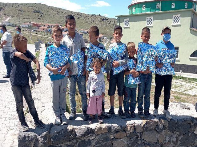 """AK Partili Altınsoy """"ramazanda onlarca çocuk giydirdik"""""""