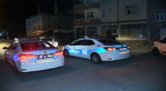 Polisin Dur İhtarına Uymayan Sürücü Otomobili Bırakıp Kaçtı