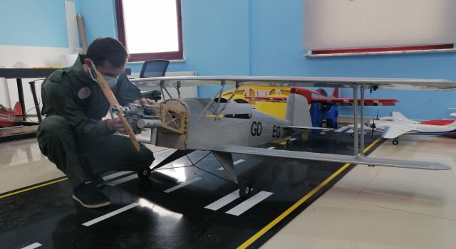 Model uçaklar test uçuşlarını yaptı