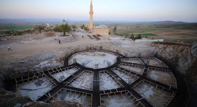 Yunusemre türbesi restorasyonu yılsonunda tamamlanacak