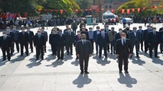 29 Ekim Cumhuriyet Bayramı Çelenk Sunumu Yapıldı