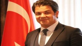 """""""Hakarete Uğrayan, Özgürlüğü Sınırlandırılan, Darp Edilen Gazeteci Değil, Kamuoyudur!"""""""
